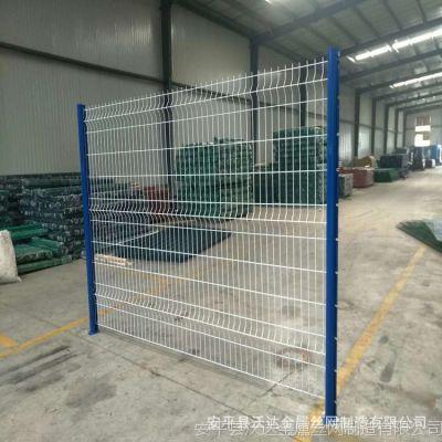 供应优质小区园林三角折弯桃形柱护栏网