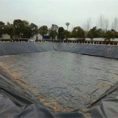 国标型土工膜在黑龙江人工湖的固定技巧