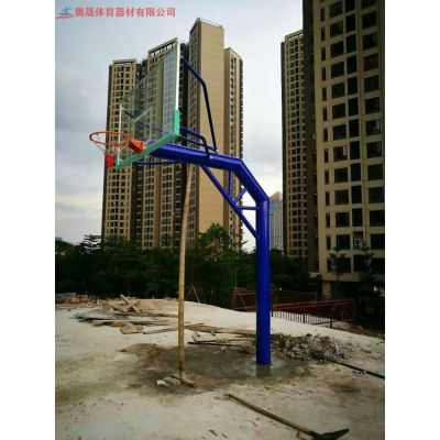 湖南篮球场地的必需设备篮球架 长沙篮球运动器材 足够的刚度不易变形与大幅度的抖动