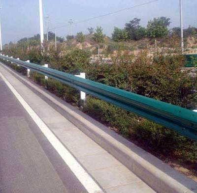 防撞波形护栏板厂家-揭阳波形护栏板厂家-通程护栏板