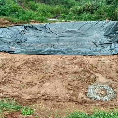 1.2mm土工膜在北京人工湖的防渗施工