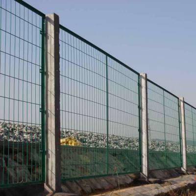 陈仓区果园围栏铁丝网-小区隔离栅价格-足球场地围栏网
