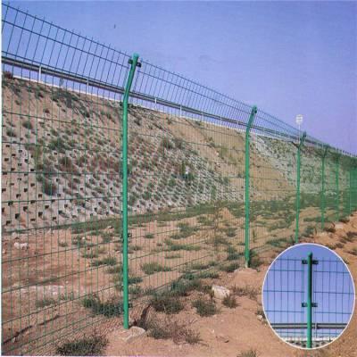 七星区公路隔离栅生产厂家-铁丝网生产-隔离护栏图片