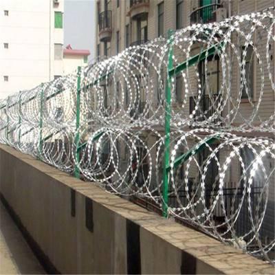 学校防爬网 镀锌刀片刺网 机关单位隔离区防爬网