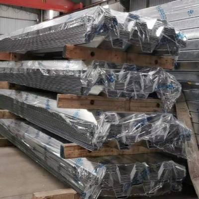 新之杰第二批YXB51-305-915开口压型钢板发至巴拿马