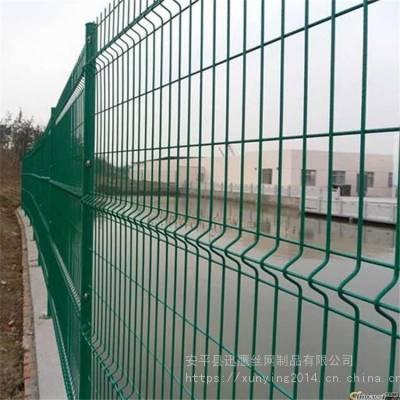 迅鹰绿色铁网围栏网A高速公路围网A赤峰桃形立柱铁丝网防护网