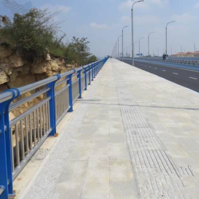 桥梁人行道护栏供应-山东神龙桥梁护栏厂