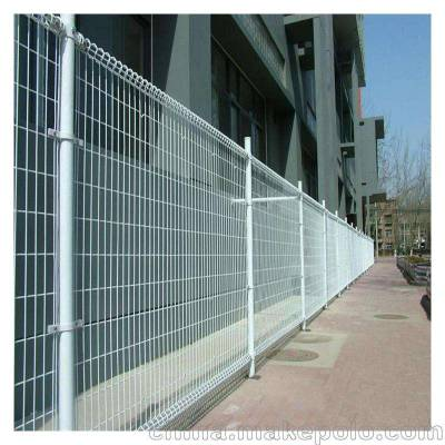 随州绿色铁丝围栏网报价-高速护栏网生产厂家-绿化带隔离栅