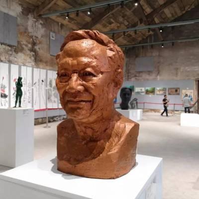 大连石雕厂家,不锈钢雕塑,玻璃钢雕塑,铜雕新品特价销售
