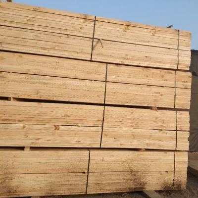 顺通木材 辐射松木材加工地址 建筑口料木材加工哪家好