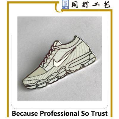 金属徽章定做 创意卡通鞋子造型珐琅徽章 源头工厂低价定做
