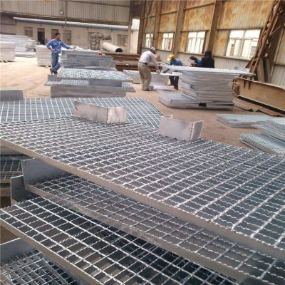 江苏扬州钢格板 标准钢格板规格 楼梯踏步钢格板报价