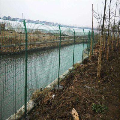 三角折弯护栏网 监狱防护网 Y型柱安全网