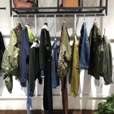 韩国潮牌品牌折扣服装厂家拿货正品上衣外套一手货源尾货直销