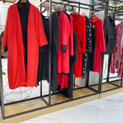 西宁三彩品牌女装折扣羊剪绒女装尾货批发一手货源