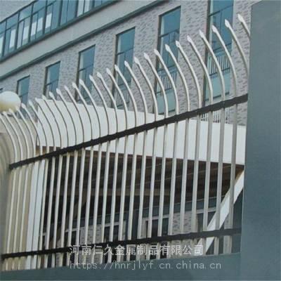 开封兰考厂家直销锌钢草坪护栏 定做钢制草坪围栏 m型花园栅栏