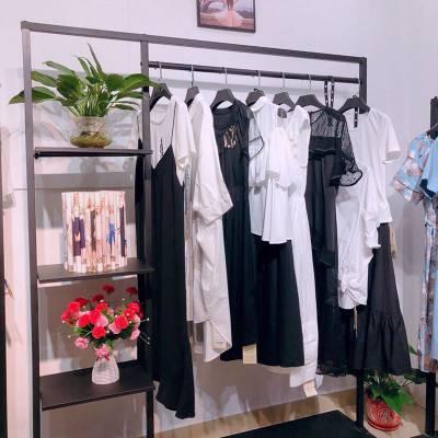禹州北京尾货市场 哥弟品牌折扣店 女外套 便宜服装批发
