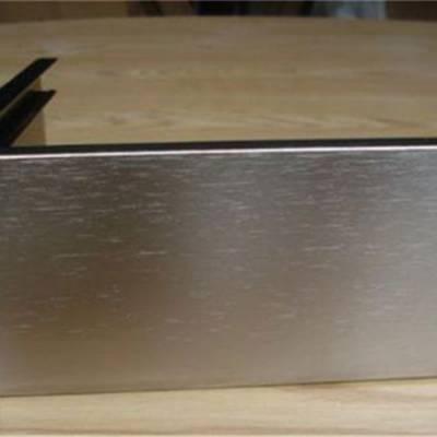 烟台市优质铝材护栏 镜面铝材雕花护栏 k金铝板护栏拼接技术