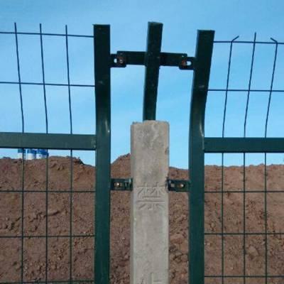 雷泰公司供应铁路护栏 铁路隔离栅 高铁护栏 铁路防护网 铁路防护栅栏