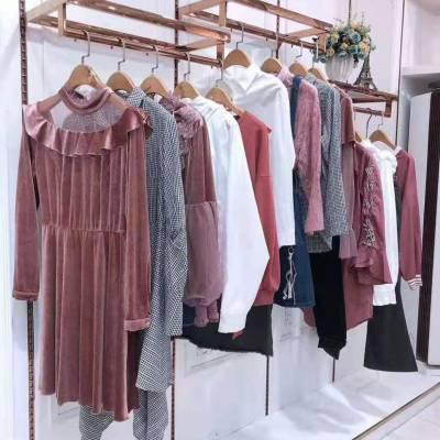 青岛服装批发 山东 谷度双面尼羊绒大衣 女装店怎么陈列 时尚大码折扣直播货源