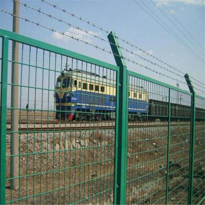 什邡市养殖护栏网-钢丝园林围栏网-高速隔离栅图片