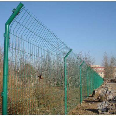 护栏网安装方式 高速公路护栏网生产厂家