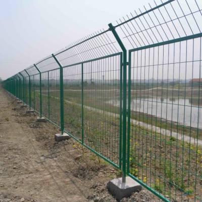 四川高速公路护栏网厂家铁路高架桥防抛网鱼塘养殖绿色铁丝网