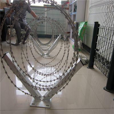 防爬网怎么安装 带钩防爬刺 镀锌防爬架网价格